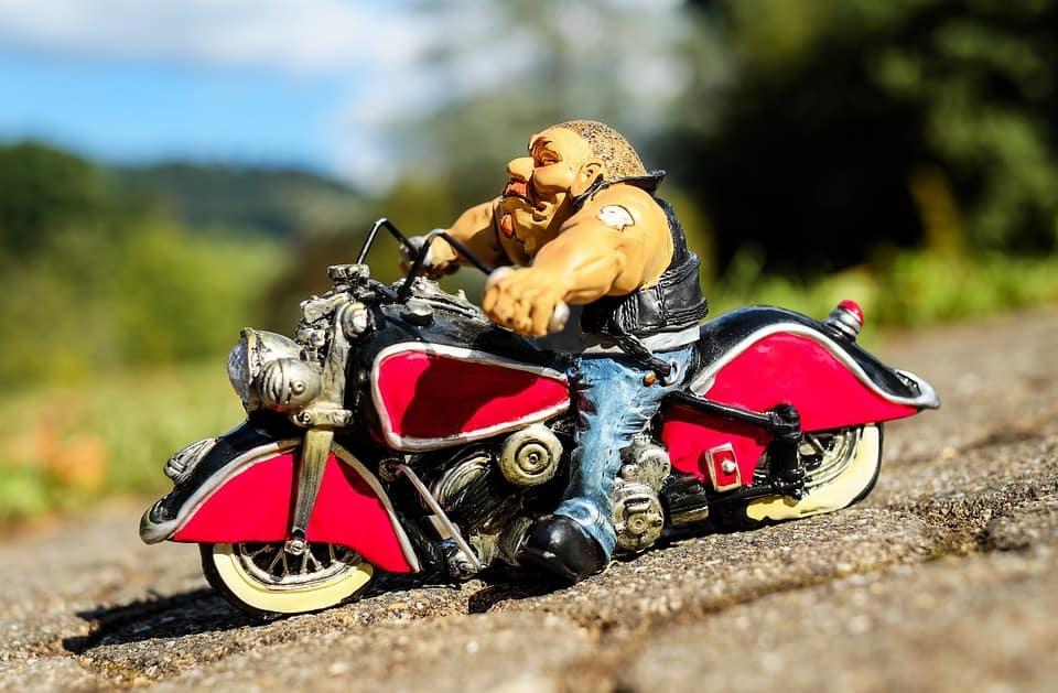 Les différents types de motards sur nos routes !