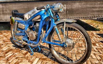 Comment entretenir une roue moto à rayons?