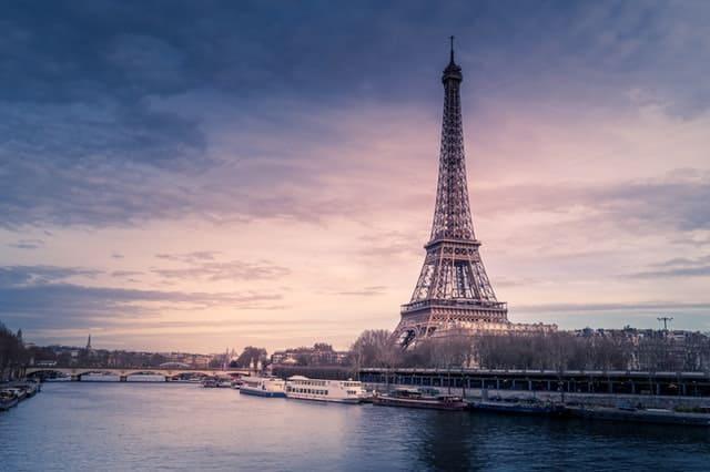 Parking pour motos électriques : toujours gratuit à Paris