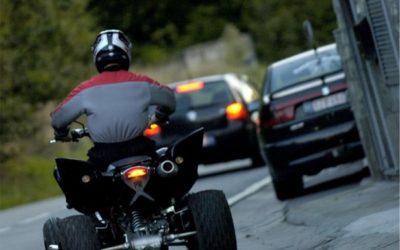 À quelle vitesse sur route peut aller un quad ?