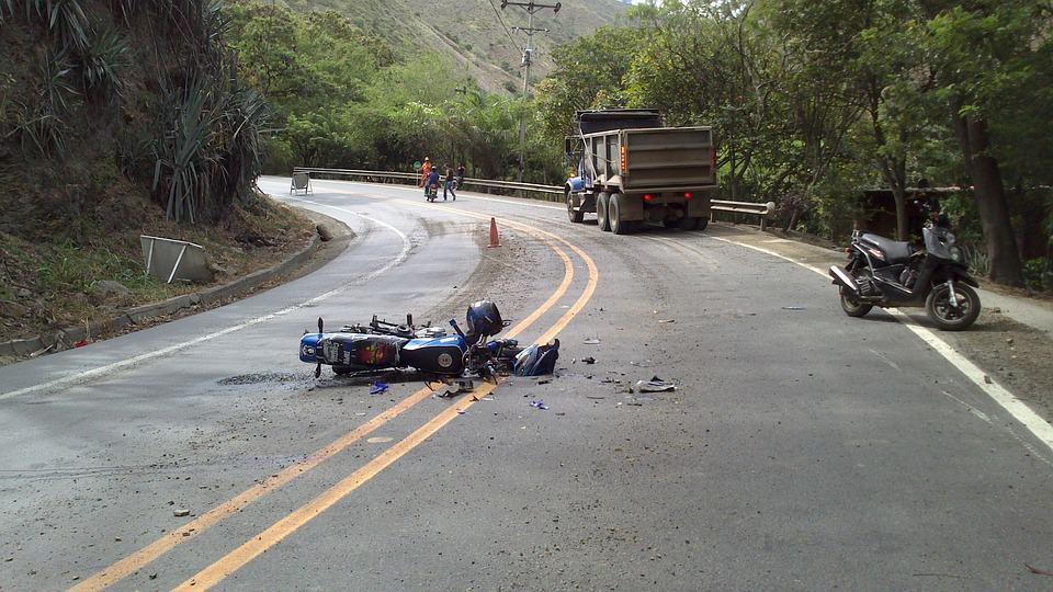 Assurance moto : qu'est-ce qu'un dommage matériel ?