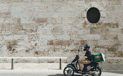 Assurance moto professionnelle : trajet domicile-travail et usage pro, quelle différence ?