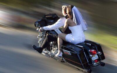 Mariage et prix sur l'assurance moto