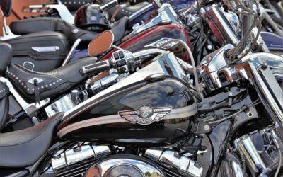 Face à la décision d'interdiction d'interfiles pour deux-roues, la FFMC a organisé une manifestation hier