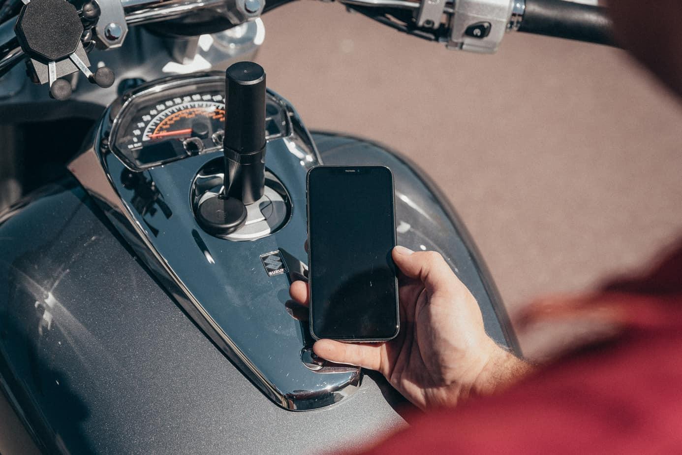 gps moto moni moto posé sur moto
